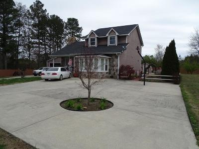 Chatsworth, Eton Single Family Home For Sale: 259 Keller Drive