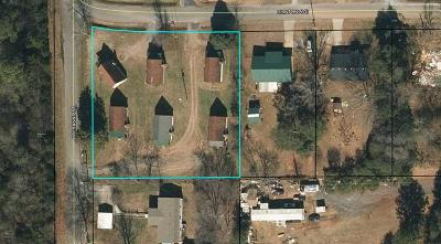 Chatsworth, Eton Multi Family Home For Sale: 124-224 Clinton Avenue