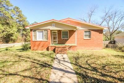 Columbus Single Family Home For Sale: 7942 Aurora Drive