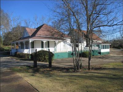 Hamilton Multi Family Home For Sale: 140 N College Street
