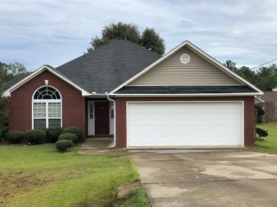 Phenix City AL Single Family Home For Sale: $158,000