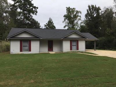 Phenix City AL Single Family Home For Sale: $119,300