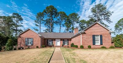 Columbus Single Family Home For Sale: 2901 Fleetwood Drive