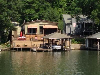 Salem Single Family Home For Sale: 475 Lee Road 0346