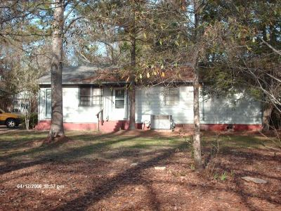 Perry Single Family Home For Sale: 601 Pine Ridge