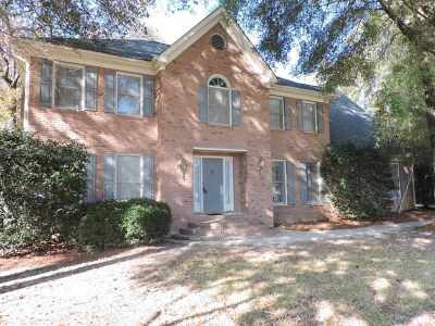 Single Family Home For Sale: 104 Bentwood