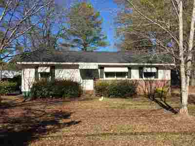 Perry Single Family Home For Sale: 1715 Kings Chapel