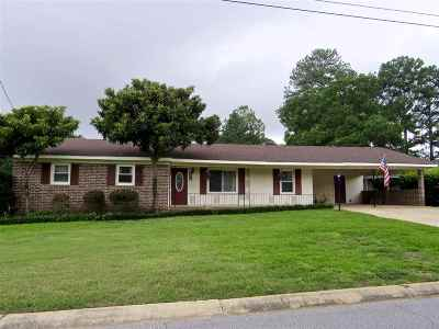 Bibb County, Crawford County, Houston County, Peach County Single Family Home For Sale: 202 Highland Dr