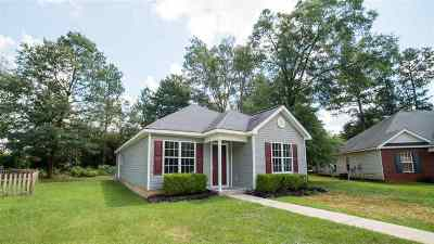 Perry Single Family Home For Sale: 112 Springfield