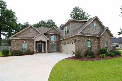 Perry Single Family Home For Sale: 312 Bridgehampton