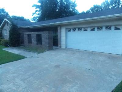 Perry Single Family Home For Sale: 1010 Pine