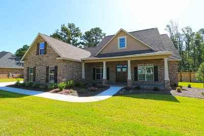 Kathleen Single Family Home For Sale: 204 Woodland