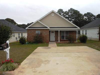 Warner Robins Rental For Rent: 123 Mary Jay Drive