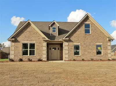 Macon Single Family Home For Sale: 1025 Marion Oaks Court