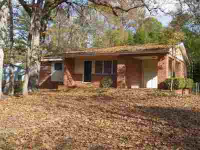 Macon Single Family Home For Sale: 589 W Pierce Drive