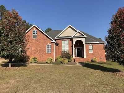 Macon Single Family Home For Sale: 212 Natchez Trace