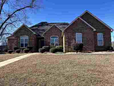 Perry Single Family Home For Sale: 400 Krackel Court