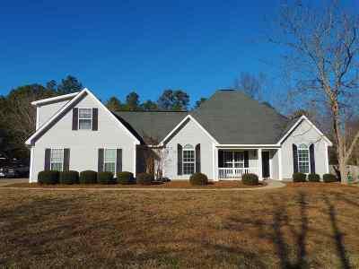 Kathleen Single Family Home For Sale: 215 Grove Lane