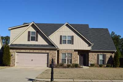 Macon Single Family Home For Sale: 405 Stonecrest