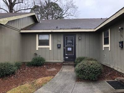 Warner Robins Single Family Home Verbal Agreement: 122 Stonehedge Drive