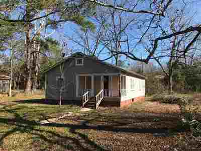 Macon Single Family Home For Sale: 883 Perry Drive