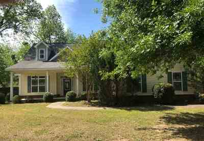Kathleen Single Family Home For Sale: 213 Candler Drive