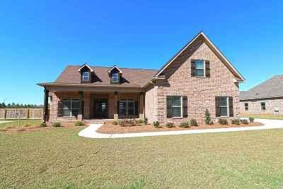Kathleen Single Family Home For Sale: 209 Woodland Boulevard