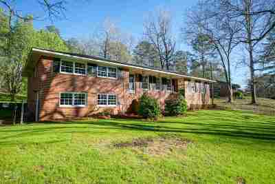 Macon Single Family Home For Sale: 2046 Graham Road