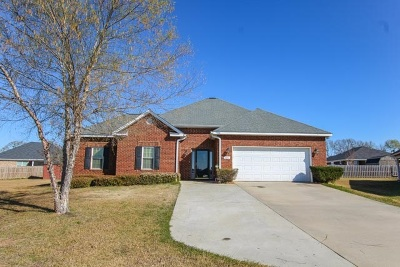 Perry GA Single Family Home For Sale: $159,900
