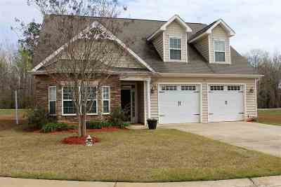 Perry Single Family Home For Sale: 136 Fairway Oaks Drive