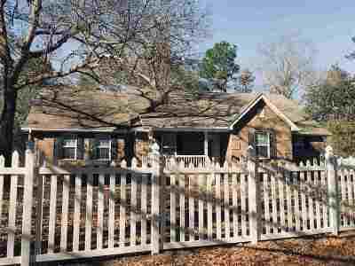 Macon Single Family Home For Sale: 137 Bramble Lane