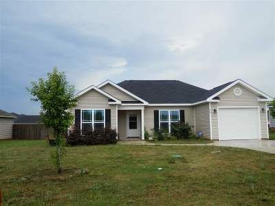 Perry Single Family Home For Sale: 223 Haven Way