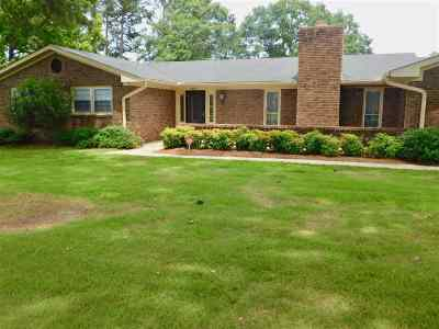 Macon Single Family Home For Sale: 6690 Fran Drive
