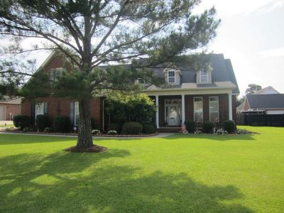 Single Family Home For Sale: 202 Bergermont Court