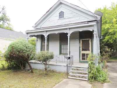 Macon Single Family Home For Sale: 870 Elm Street