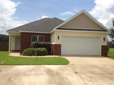 Single Family Home For Sale: 200 Shasta Drive