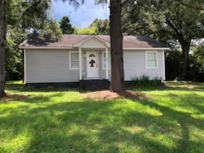 Single Family Home For Sale: 302 Thomas Boulevard
