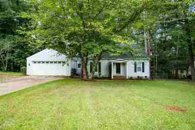 Macon Single Family Home For Sale: 628 Glen Cove Drive