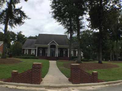 Kathleen Single Family Home For Sale: 400 Royal Crest Circle