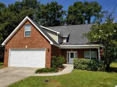 Bonaire Single Family Home For Sale: 606 Beechwood Drive