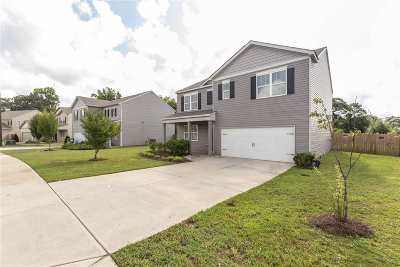 Kathleen Single Family Home For Sale: 220 Flowing Meadows Drive