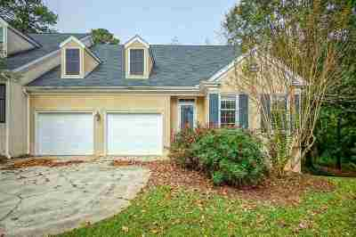 Macon Single Family Home For Sale: 166 Brookstone Way