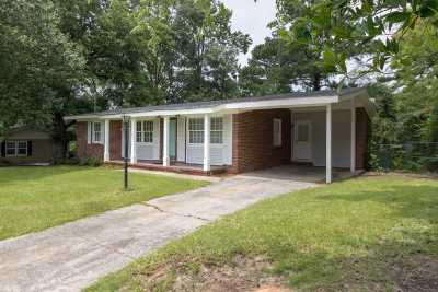 Macon Single Family Home For Sale: 4145 Wood Forest Place