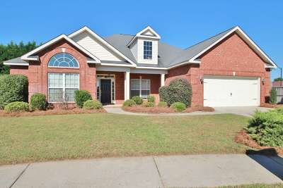 Single Family Home For Sale: 110 Trickum Ct