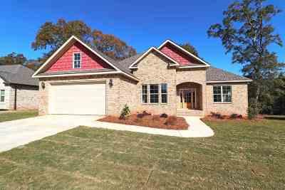 Kathleen Single Family Home For Sale: 215 Hunts Landing Drive