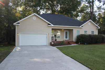 Macon Single Family Home For Sale: 107 Francis Drive