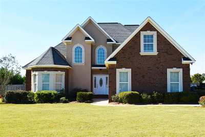 Single Family Home For Sale: 144 Elsa Way