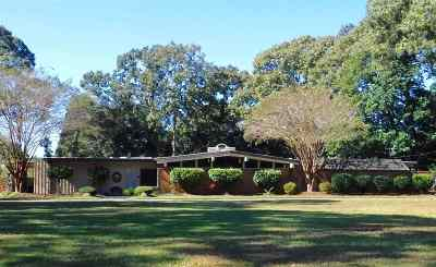 Single Family Home For Sale: 123 Tanglewood Drive