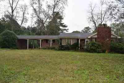Macon Single Family Home For Sale: 4238 Jones Rd