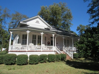 Macon County Single Family Home For Sale: 303 W Main Street